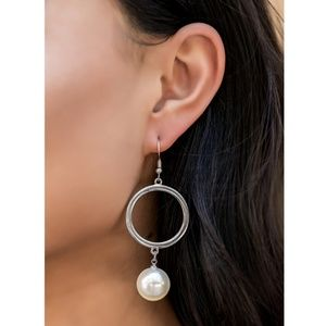 Paparazzi - White - Earrings - #218